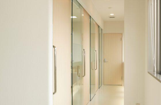 診察室廊下