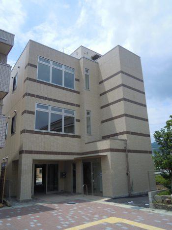 中山寺駅前医療ビル
