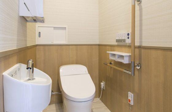 検尿トイレ